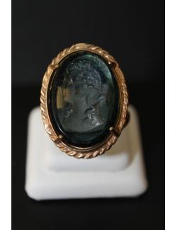Anello in bronzo con pietra dura