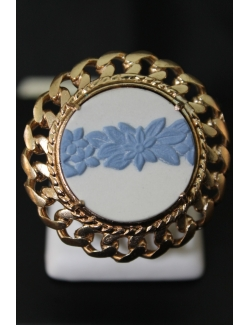 Anello in bronzo con wedgwood