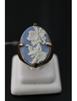 Anello ovale in bronzo con wedgwood