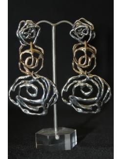Coppia di orecchini lunghi in argento e bronzo