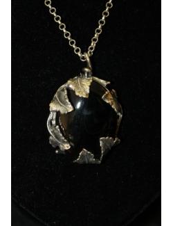 Collana lunga con ciondolo in pietra dura e argento