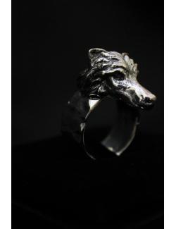 Anello con lupo in argento