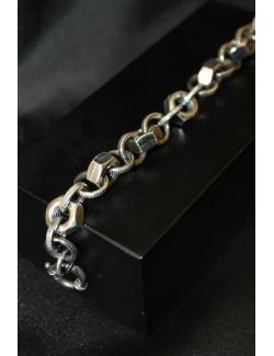 Bracciale in argento modello bullone