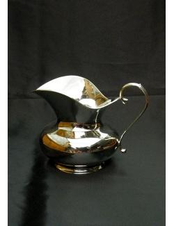 Brocca per acqua in argento