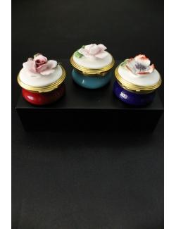 scatoline in porcellana con fiori